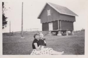 Jorun Hansen med Torun 1954